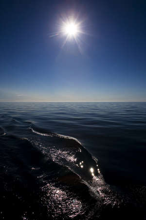 longshot: Sun over the water
