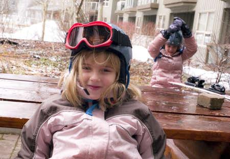 ropa de invierno: Chicas en ropa de invierno  Foto de archivo
