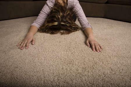 inginocchiarsi: Una donna in preghiera