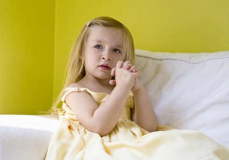 homelife: Girl praying