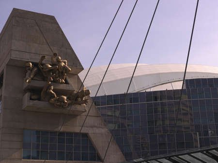 tilt views: Exterior of Rogers Centre, Toronto, Ontario, Canada LANG_EVOIMAGES