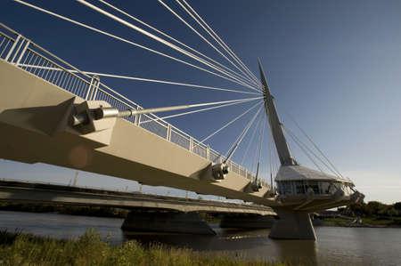 vlonder: Voetgangers brug, Esplanade Riel, Winnipeg, Manitoba, Canada
