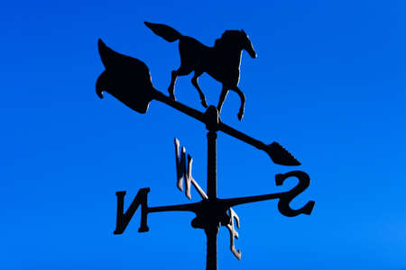weather gauge: The winds direction