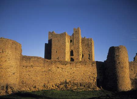 ribetes: Castillo de guarnecido en el condado de Meath, Irlanda