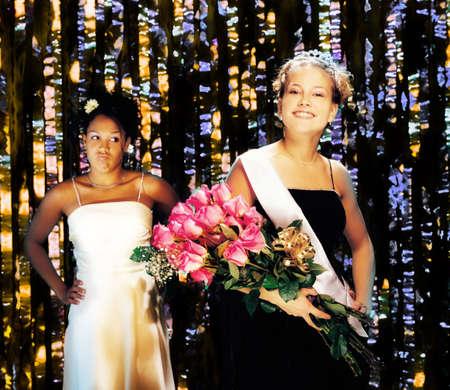 celos: Prom queen y finalista celoso