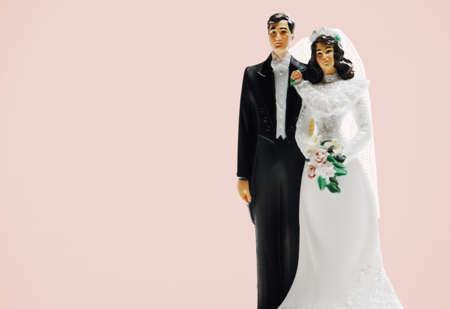 kelly: Bride and groom wedding cake decoration