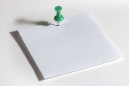 paper pin: Blank note pad Stock Photo