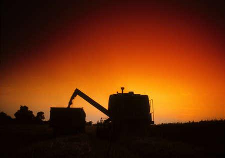 cosechadora: Combinar Harvester, Irlanda  Foto de archivo