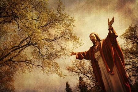 Standbeeld van Jezus met uitgestrekte armen