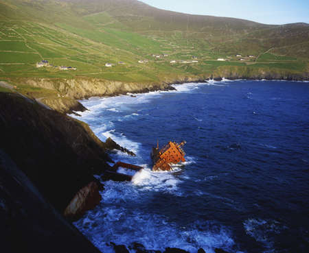 co  kerry: Wreck of the Ranga, Slea Head, Co Kerry, Ireland