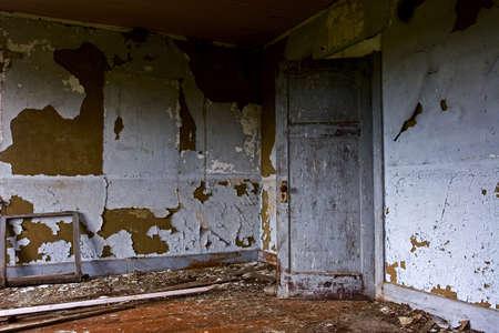 in disrepair: Cascina abbandonata