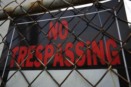 prohibido el paso: Ning�n signo de Trespassing  Foto de archivo