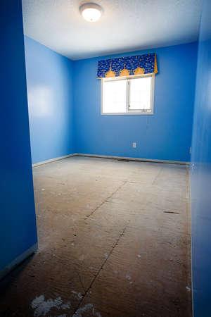 tacky: Empty bedroom under renovation