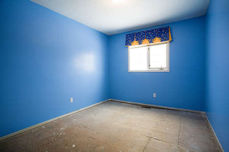 Lege slaap kamer onder renovatie