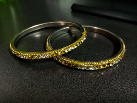 indian gold women jewellery bangle