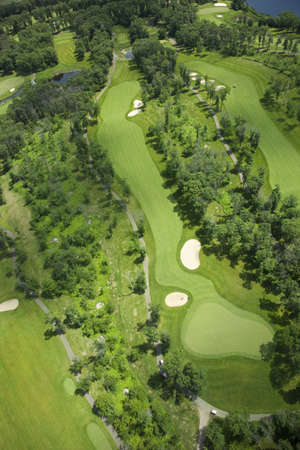 An aerial view of a golf course in Minnesota 免版税图像 - 15941428