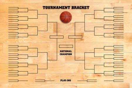 Basketball Turnier Halterung auf einem Holz-Turnhalle Boden überlagert Standard-Bild - 26008880