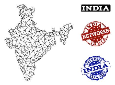 Carte vectorielle en maille noire de l'Inde isolée sur fond blanc et sceaux de timbres rayés pour les réseaux. Des lignes abstraites, des points et des triangles forment la carte de l'Inde.