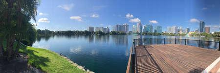 Orlando Lake Eola Skyline. Photo image 스톡 콘텐츠
