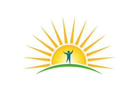 Gens heureux dans le logo du matin soleil. Concept d'espoir et de force