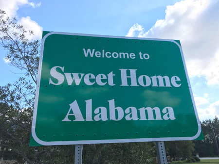 Welcome Sign to Sweet Home Alabama Road along Interstate 10 Photo Image Reklamní fotografie