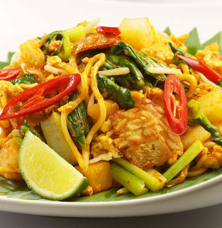 hot n spicy yellow noodle,fried yellow noodle,