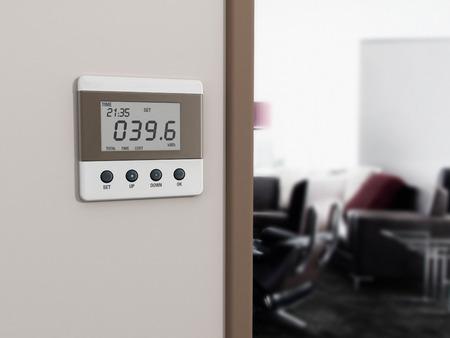 部屋の入り口の横にある壁マウントされたエネルギー メーター。