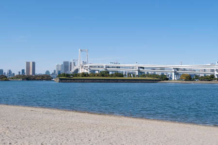 Landscape view at  Daiba beach famous landmark at Japan. 免版税图像
