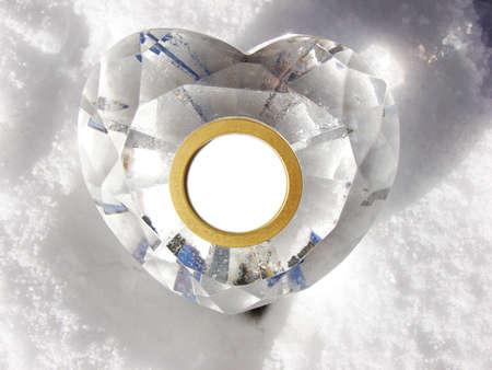 corazon cristal: Este cristal del coraz�n presenta una copia en blanco el espacio anillados en oro.