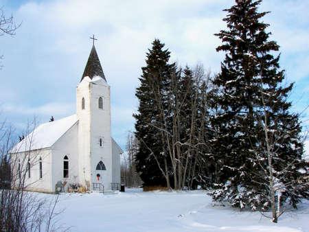 木々 に囲まれた国教会 写真素材