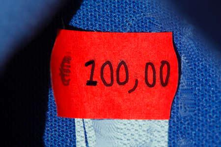 etikett: Price Tag 100 Euros
