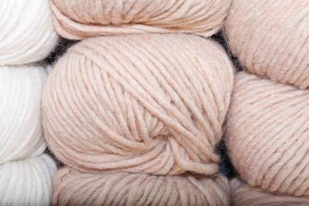 gomitoli di lana: Alcuni gomitoli di lana per maglieria Archivio Fotografico
