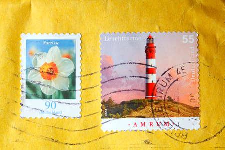 Poststamp s