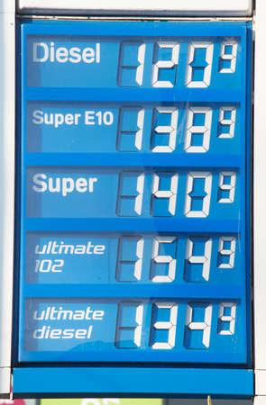 etikett: Electronic price display at a petrol station, Bremen, Germany, europe Stock Photo