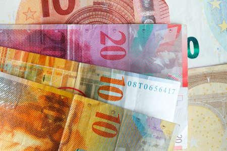 Swiss Frank Bills an Euro Bills 版權商用圖片