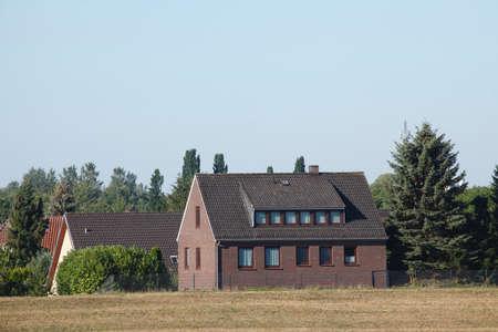 Wohnhäuser, Einfamilienhäuser auf dem Land