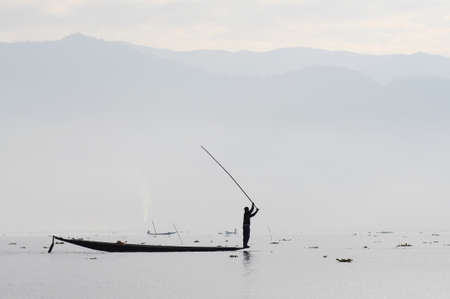 The fisherman at Inle lake Imagens