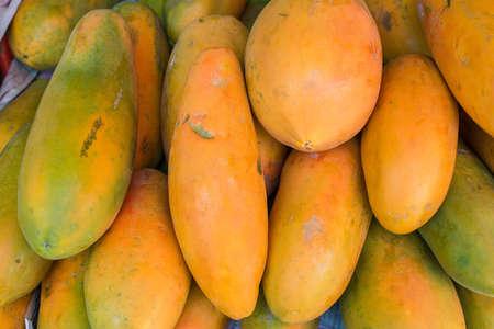 cutaneous: Papaya in the market