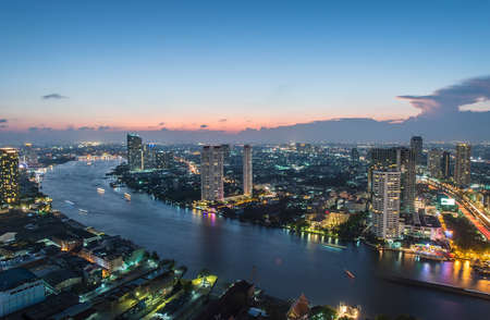 phraya: Night view of Bangkok
