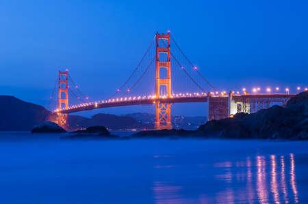 Puente Golden Gate en la noche en San Francisco