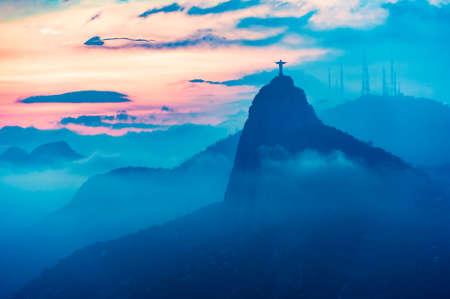 ・ デ ・ Janairo、ブラジルのサンセット ビュー 写真素材 - 43540321