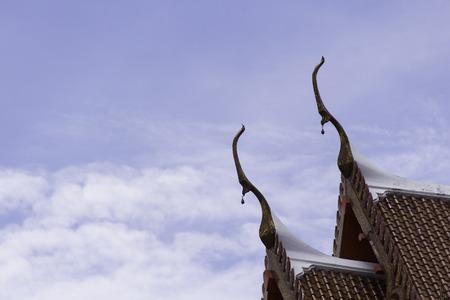 gable: gable apex temple