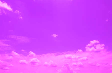 violet sky with clouds, neon dramatic background 版權商用圖片 - 102553097