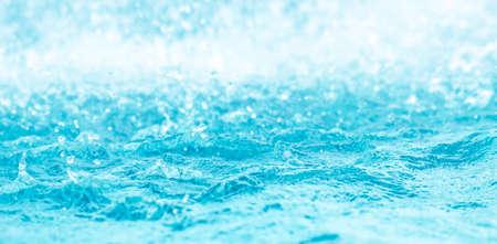 Blurred water, glittering bokeh Zdjęcie Seryjne - 120361990