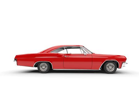 赤い古典的な筋肉の車 - 側面図