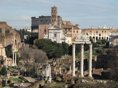 Paysage de ruines romaines antiques de Foro Romano du capitole colline Banque d'images - 18366551