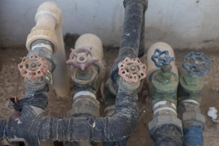 facet: gruge group of facet hose