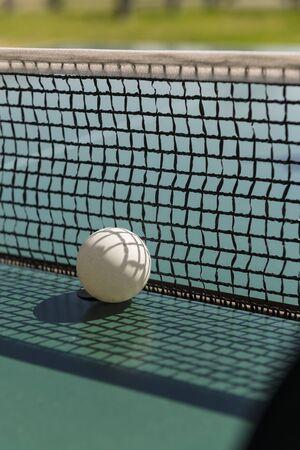 ping pong: Ping pong ball and table