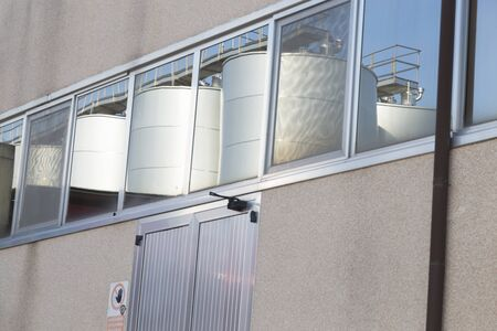 fermenters: Industrial silos for wine