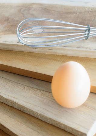 eieren op houten achtergrond